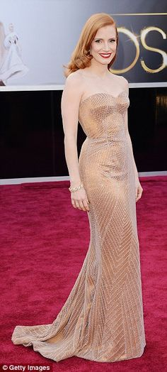 Jessica Chastain wearin Armani Prive at Oscars 2013. super elegant and sexy!