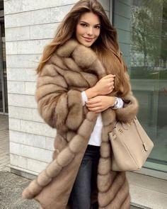 Sable Fur Coat, Long Fur Coat, Fur Coats, Chinchilla, Fur Coat Fashion, Fox Fur, Fur Jacket, Winter Coat, Sexy Outfits