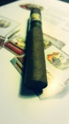 "Dégustation Bolivar Super coronas ""Edicion Limitada 2014"" http://cigare.skynetblogs.be/archive/2014/12/10/bolivar-super-coronas-edicion-limitada-2014-8343365.html"
