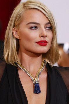 Margot Robbie has amazing hair #oscars2015