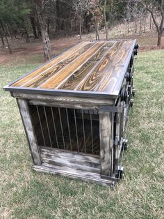 Backyard Shed Plans Dog Kennel Inside, Metal Dog Kennel, Wooden Dog Kennels, Diy Dog Kennel, Diy Dog Run, Dog Crate Furniture, Diy Dog Crate, Wood Dog, Dog Rooms