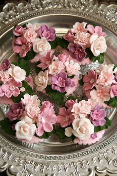 Photo: Anita Jamal ~ Are these not just spectacular!!! Love the silver tray, as well, perfect compliment for these gorgeous cupcakes~❥