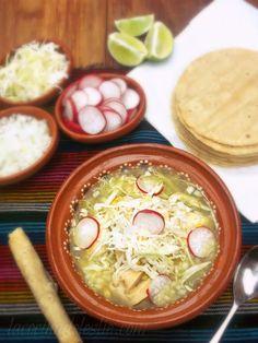 La Cocina de Leslie: Pozolillo Verde {Green Chicken & Corn Pozole} #SundaySupper