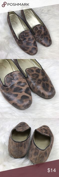 Seychelles Brown Leopard Loafer Flats Good condition - color fading at toes, sides, and back ankle. Textured leather, leopard print Black leather piping detail around leopard print Wooden block heel Seychelles Shoes Flats & Loafers