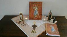 Coin prière de la Famille Llorca, qui a reçu l'icône pour cette semaine au cours de la messe dominicale.  Au cours de cette année de la Miséricorde, deux icônes du Christ Miséricordieux passent de famille en famille, en groupe, en mouvement… afin que...