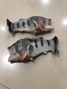 fdfe5ce0da25 These fish-shaped sandals   mildlyinteresting