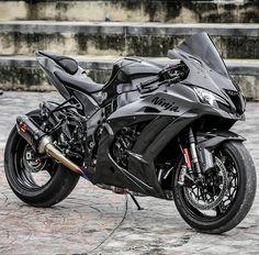 Kawasaki - Jeena F. Kawasaki Zx10r, Motos Kawasaki, Kawasaki Ninja 300, Kawasaki Motorcycles, Triumph Motorcycles, Moto Ninja, Ninja Motorcycle, Futuristic Motorcycle, Moto Bike