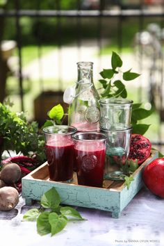 Heartbeet Heaven. An injection of antioxidants with beetroot, carrot, lemon and pomegranate.  Recipe: Mari Bergman, Photo & Styling: Sanna Livijn Wexell.