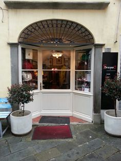 "Bello ""Strano""..i love my shop...."