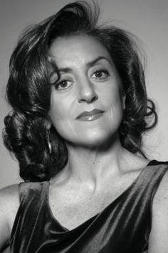 """Al Teatro cerca casa """"Son tutte belle le mamme del mondo?"""" di Manlio Santanelli con Gea Martire"""