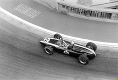 Bruce McLaren through Portier at Monaco, Cooper-Climax T66