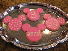 This tutorial skips the steps of baking the cookies and basic icing techniques. It covers the steps for adding the fun details shown below. ...