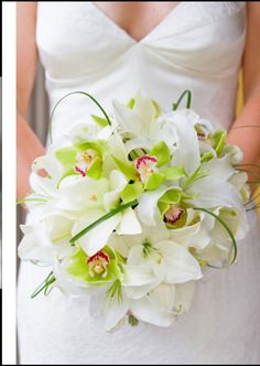 Bouquets...Flowers of Charlotte loves this!   Find us at www.charlotteweddingflorist.com