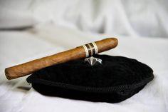https://shop.spreadshirt.fr/b-e-s-o-costardiamant/ Bague Chevalière CostarDiamant, une tradition de bijoux et accessoires de mode aux saveurs tropicales. Photo : Bea'titude