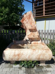 Brunnen aus Kramsacher Marmor Outdoor Furniture, Outdoor Decor, Bench, Lounge, Home Decor, Chair, Fountain, Marble, Stone