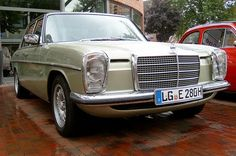 Classic Car News Pics And Videos From Around The World Mercedes 230, Mercedes W114, Mercedes Benz Classes, Classic Mercedes, Mercedes Benz Cars, M Benz, Daimler Benz, Maybach, Luxury Life
