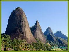 Os Pontões Capixabas são formações rochosas com 500 a 720 metros de altura, localizado no bioma da Mata Atlântica. A principal cidade de apoio para a visitação do parque é Pancas