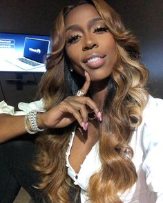 "KASHDOLL SR. on Instagram  ""Goodmorning New weave who dis  Hair    stylepro kendrap Make up  faschaniecesta Nails  tisharajthenailprincess"" 77691cceb39c"