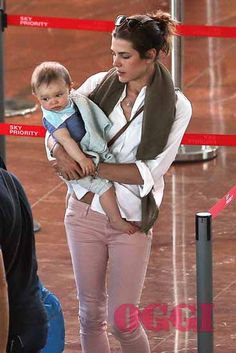 Charlotte & son - August 2014 - Nice airport