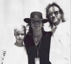 A very young Kenny Wayne Shepherd with the legendary blues icon Stevie Ray Vaughan Kenny Wayne Shepherd, Stevie Ray Vaughan, Blues Artists, Music Artists, Rockn Roll, Blues Music, Rock Legends, Blues Rock, Music Photo