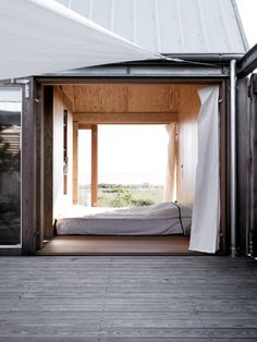 Architecture inspiration for the modern cabin. Outdoor Spaces, Indoor Outdoor, Outdoor Living, Outdoor Bedroom, Interior Exterior, Interior Architecture, Beautiful Space, Beautiful Homes, Haus Am See