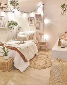 Cute Bedroom Decor, Bedroom Decor For Teen Girls, Room Ideas Bedroom, Small Room Bedroom, Home Bedroom, Bedroom Inspo, Bedroom Wall, Cute Bedroom Ideas For Teens, Bedroom Inspiration Cozy
