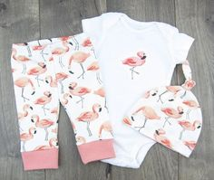 Adorable Flamingo Party baby outfit and clothing sets!  ▽ CHOOSE YOUR OWN SET ▽  ▶︎ Baby Leggings & Hats are made from 100% Organic Cotton Knit