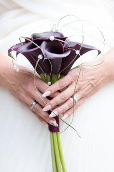 #brautstrauß #callas #bouquet #bride #red #bride #hands