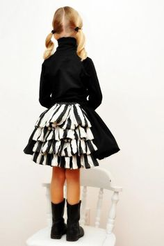 ruffled skirt bustle tutorial!