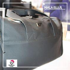 As férias de final de ano estão quase chegando :grinning: Além de preparar as roupas para o final do ano, não esqueça de investir em uma bela bolsa para levar seus pertences 👍 #ModaMasculina #Férias #Viagem #Ellus #todahoraé