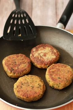 The easiest vegan chickpea burgers! Deliciously savory, crispy on the outside, soft on the inside, packed with flavor and veggie burger goodness. Tasty Vegetarian Recipes, Vegan Dinner Recipes, Vegan Dinners, Veggie Recipes, Whole Food Recipes, Cooking Recipes, Healthy Recipes, Vegetarian Barbecue, Hamburger Recipes