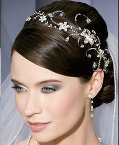 bridal tiara with floral and twist, very beautiful with same veil as simplistic styles