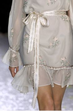 Luisa Beccaria at Milan Fashion Week Spring 2009 Fashion Moda, Fashion Week, Runway Fashion, High Fashion, Womens Fashion, Fashion Fashion, Winter Fashion, Milan Fashion, Fashion Clothes