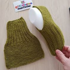 – # Informations About Keine Beschreibung des Fotos verfüg - Crochet Socks, Knit Or Crochet, Knitting Socks, Baby Knitting, Crochet Baby, Knitted Booties, Knitted Slippers, Knitting Patterns Free, Knit Patterns