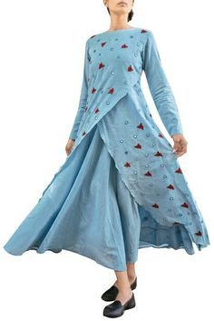 Purvi Doshi Western Dresses, Indian Dresses, Indian Outfits, Kurta Patterns, Dress Patterns, Kurta Designs, Blouse Designs, Mode Hijab, India Fashion