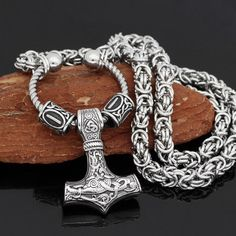 unique viking necklace,handmade,raven claw necklace,unisex pagan jewelry,wicca jewelry,women warrior necklace,ethnic jewelry,silver necklace