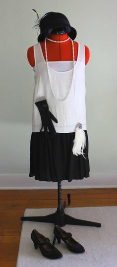 8 Easy 1920s Costumes You Can Make  - Flapper dress, black and white. #costumes #DIY