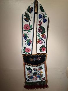 Outstanding CHIPPEWA Beaded Cloth Bandolier Bag - NR