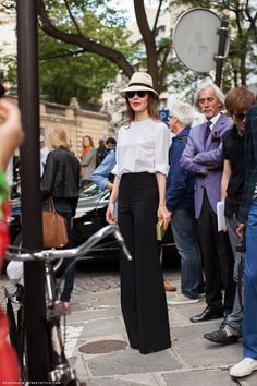 Chic high waisted trousers