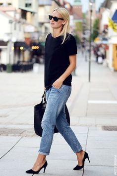 Girlfriend jeans outfit with loose shell tee and heels