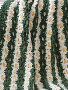 Daisy Chain Throw Pattern (Free)