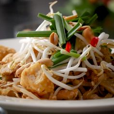 Ultimate Pad Thai 2 Ways By Hong Thaimee by Tasty Thai Recipes, Asian Recipes, Chicken Recipes, Cooking Recipes, Cooking Fish, Tasty Videos, Food Videos, Weekday Meals, Chicken Meal Prep
