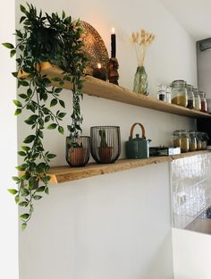 Living Room Shelves, Living Room Decor, Küchen Design, House Design, Wren Kitchen, Design Moderne, Cuisines Design, Kitchen Organization, Interior Inspiration