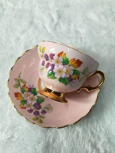 Very lovely rosina vintage tea cup very good vintage condition, no chip or crack