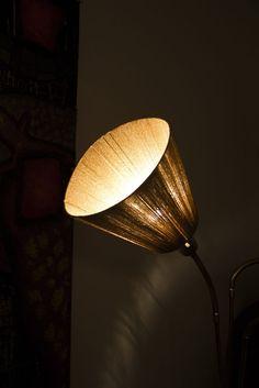 En lampskärm av garn av My på Project Amateurism
