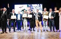 The third edition of the 50 Top Pizza awards was revealed in the home of pizza last night, at Mercadante in Naples. Yummy Chicken Recipes, Yum Yum Chicken, Artisan Pizza, New Trends, Delicious Food, North America, Surf, Awards, Surfing