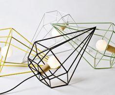 Como una oda a la geometría la nueva marca The Rack, de las diseñadoras Valentina Mery y Trinidad Gómez, acaba de lanzar estas lámparas de e...