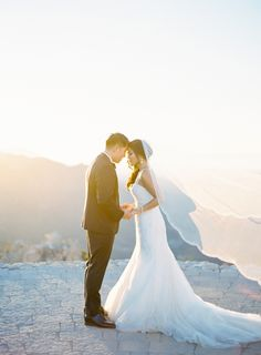 Gorgeous golden hour moment: http://www.stylemepretty.com/2016/06/28/a-stunning-mountaintop-wedding-with-a-meaningful-details/ | Photography: The Great Romance - http://thegreatromancephoto.com
