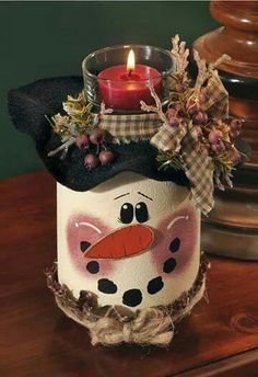 Snowman Candle Jar ~ Winter usually brings snow. and soon snowmen will pop up everywhere throughout the neighborhood! Paint this adorable Snowman Candle Jar centerpiece to decorate your table and celebrate the winter season! Christmas Crafts For Adults, Christmas Projects, Holiday Crafts, Christmas Crafts To Sell Bazaars, Christmas Crafts To Make And Sell, Halloween Crafts, Holiday Ideas, Mason Jar Crafts, Mason Jar Diy