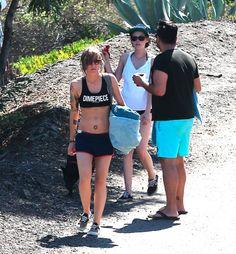 - New Pics of Kristen in Malibu (1 September 2014)